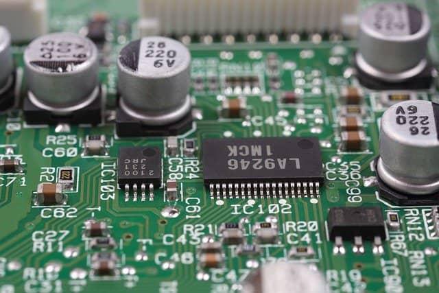 logiciel de simulation électronique